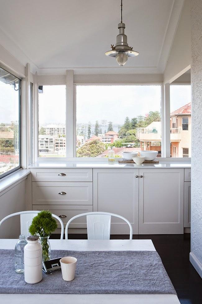 Peque o apartamento en blanco junto a la playa decoracion - Decorar apartamento playa ...