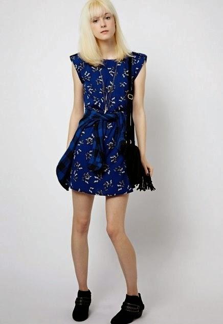 Vestido azul de borboletas