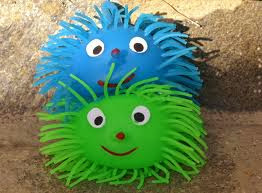 what is a koosh ball, using koosh balls in the classroom, koosh balls and smart boards, koosh balls and interactive white boards, using a koosh ball with your smart board, koosh ball smart board templates, koosh balls with high school students