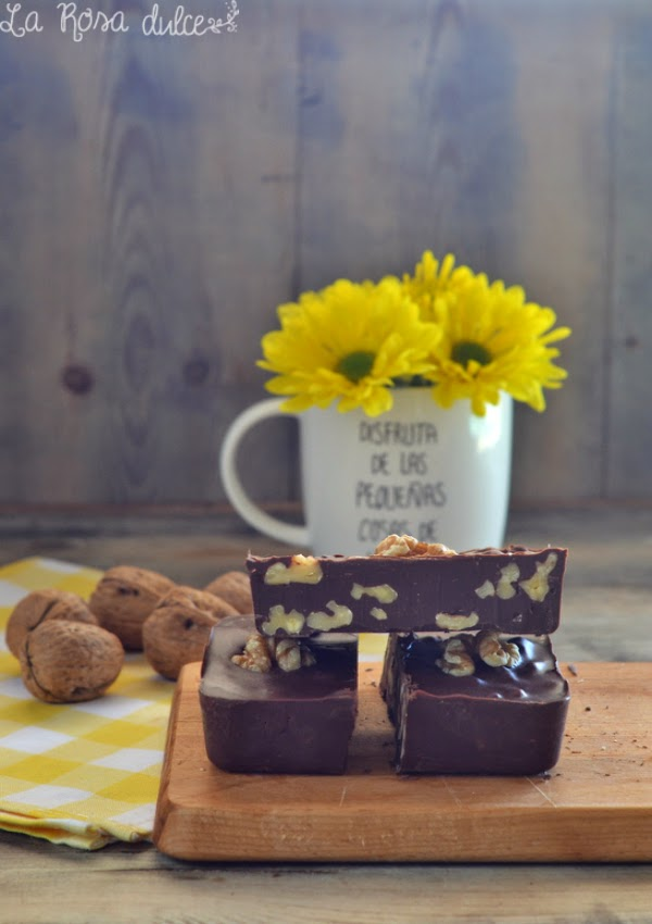 Barritas de chocolate especiado con nueces sin lactosa