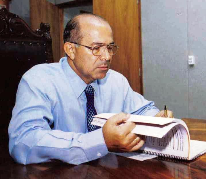Ministro Padilha anuncia obras