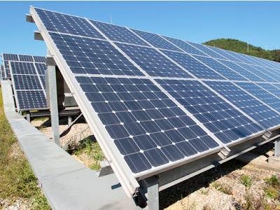 """Dân phản đối xây trạm năng lượng mặt trời vì sợ bị """"hút sạch năng lượng"""""""