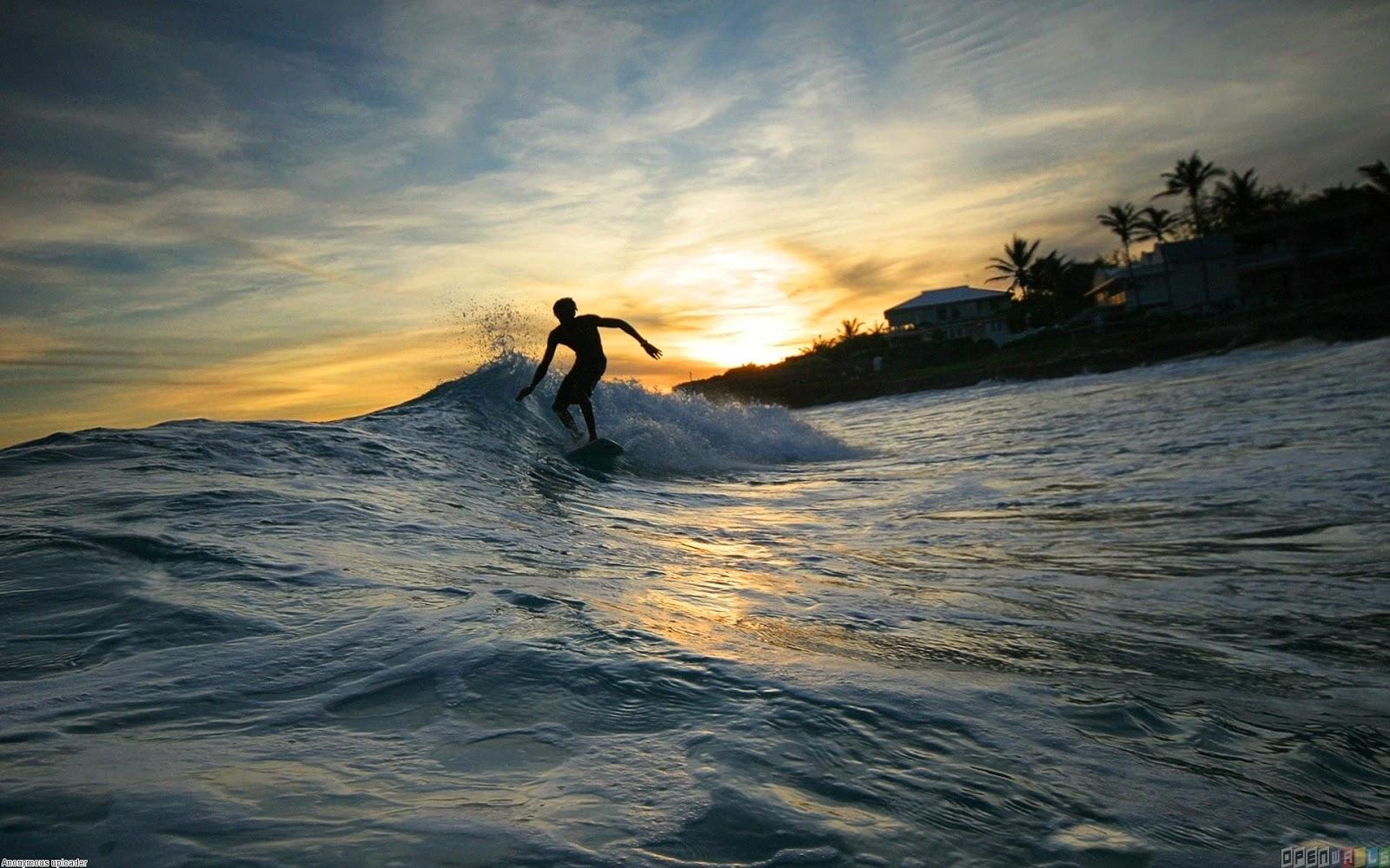 7-lokasi-surfing-terbaik-di-indonesia