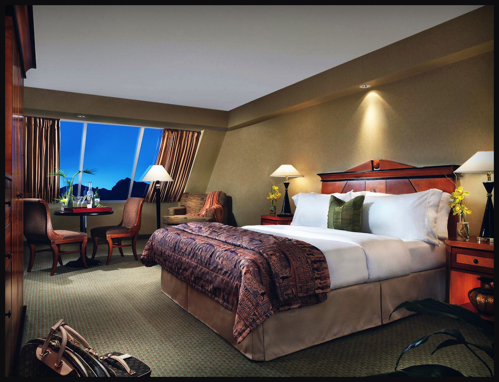 luxor rooms las vegas