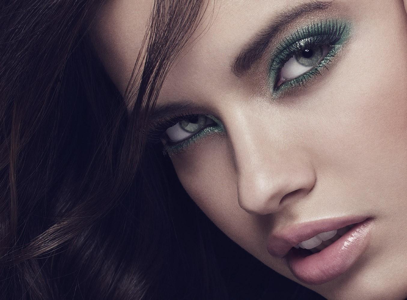 http://1.bp.blogspot.com/-FpWSl0hiQ6w/TiVPobiNl-I/AAAAAAAAHDg/_ozccWcNlhc/s1600/Adriana-Lima-13.jpg