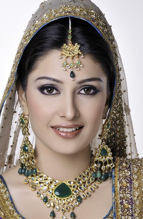 Actress2526ModelAyezaKhan252832529 - Make Up Of The day 9th august 2011