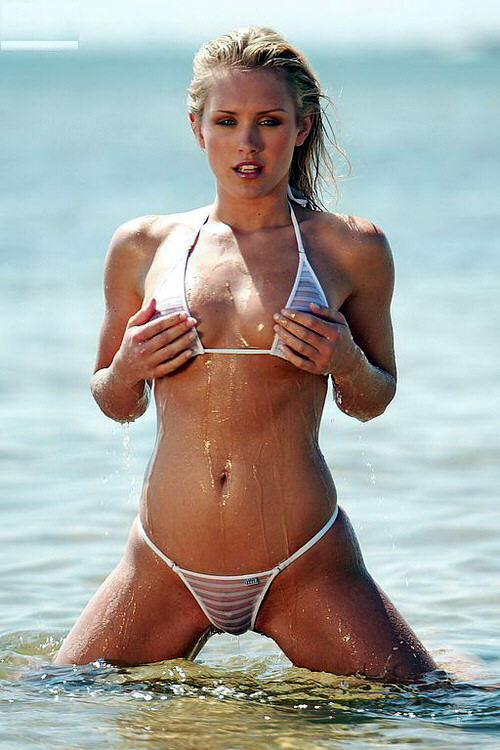 Nicky Model 12 http://stevejobsiphone5.blogspot.com/2011/10/nicky-whelan.html