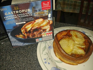 Marks and Spencer Gastro Pub Aberdeen Angus Steak Yorkshire Pudding Pie