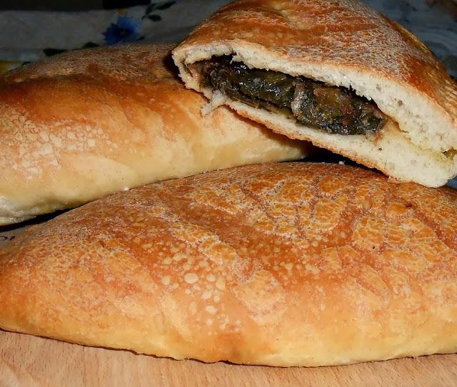 calzoni al forno con scarola olive e alici
