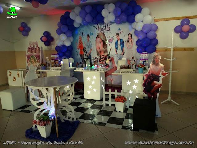decoração provençal com o tema Violetta para festa de aniversário infantil de meninas