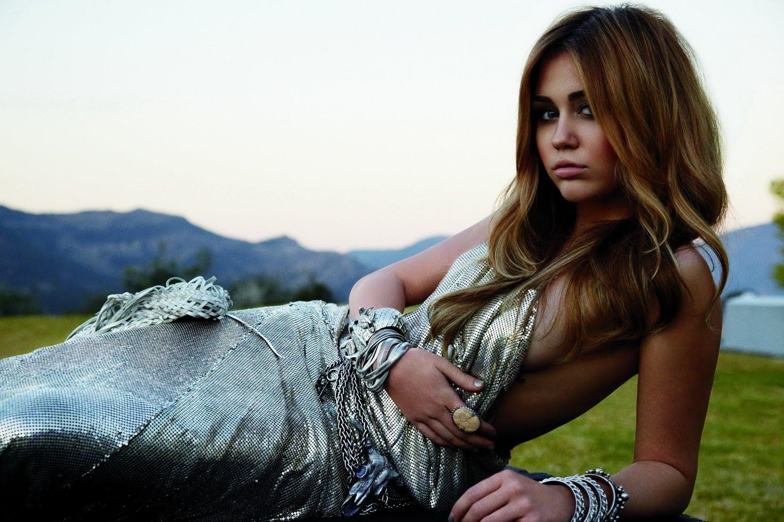 http://1.bp.blogspot.com/-FqjKlnohs8E/TWi8ElWAg2I/AAAAAAAAIAk/Y9oJwHK9YvA/s1600/Miley-Cyrus-27.jpg