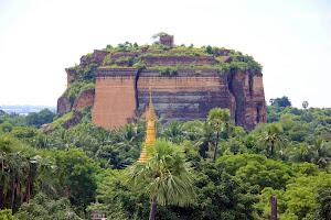 Vistas de Mingun desde lo alto de la pagoda Myatheindan