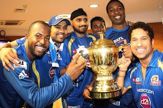 Harbhajan-Singh-Kieron-Pollard-Sachin-Tendulkar-Rohit-Sharma-celebrates-MI-Win-IPL-2013