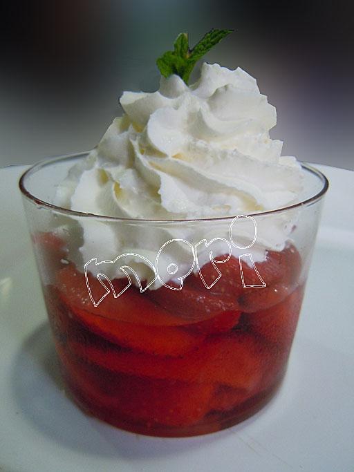 Las cositas de meri vasitos de fresas maceradas y nata - Bollycao thermomix ...