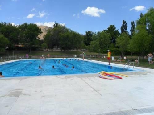 Deportes vila nataci n las piscinas municipales de el for Piscina municipal avila
