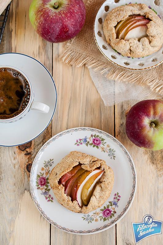 Jabłkowe tarty razowe