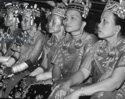 ulu kelang single christian girls Motto: tuvalu mo te atua tuvalu for the almighty anthem: tuvalu mo te atua (tuvaluan) tuvalu for the almighty.