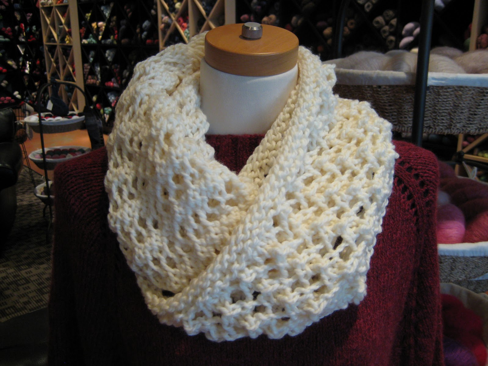 Quick Knit Infinity Scarf Pattern : K2tog with Nancy Wyatt: Knit a Quick Cowl!