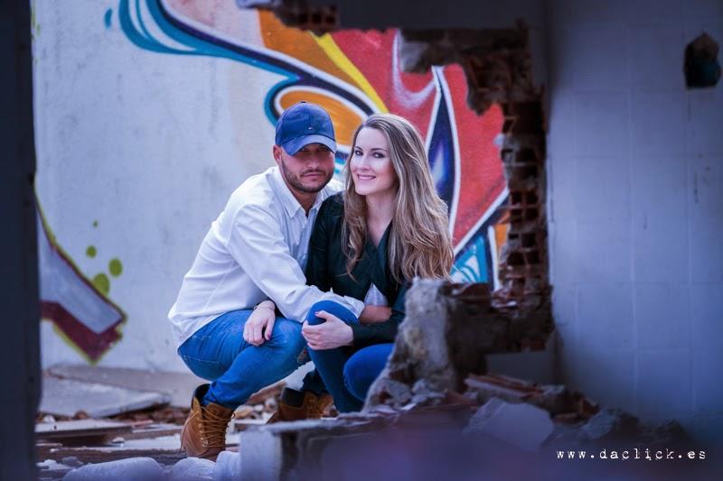 Javi y Sandra fotos preboda en una casa abandonada