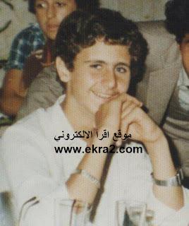 صورة لبشار الأسد وهو شاب,يلبس الأسورارة في يده!