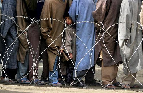 Tentara India Blokir Bantuan Medis untuk Warga Kashmir