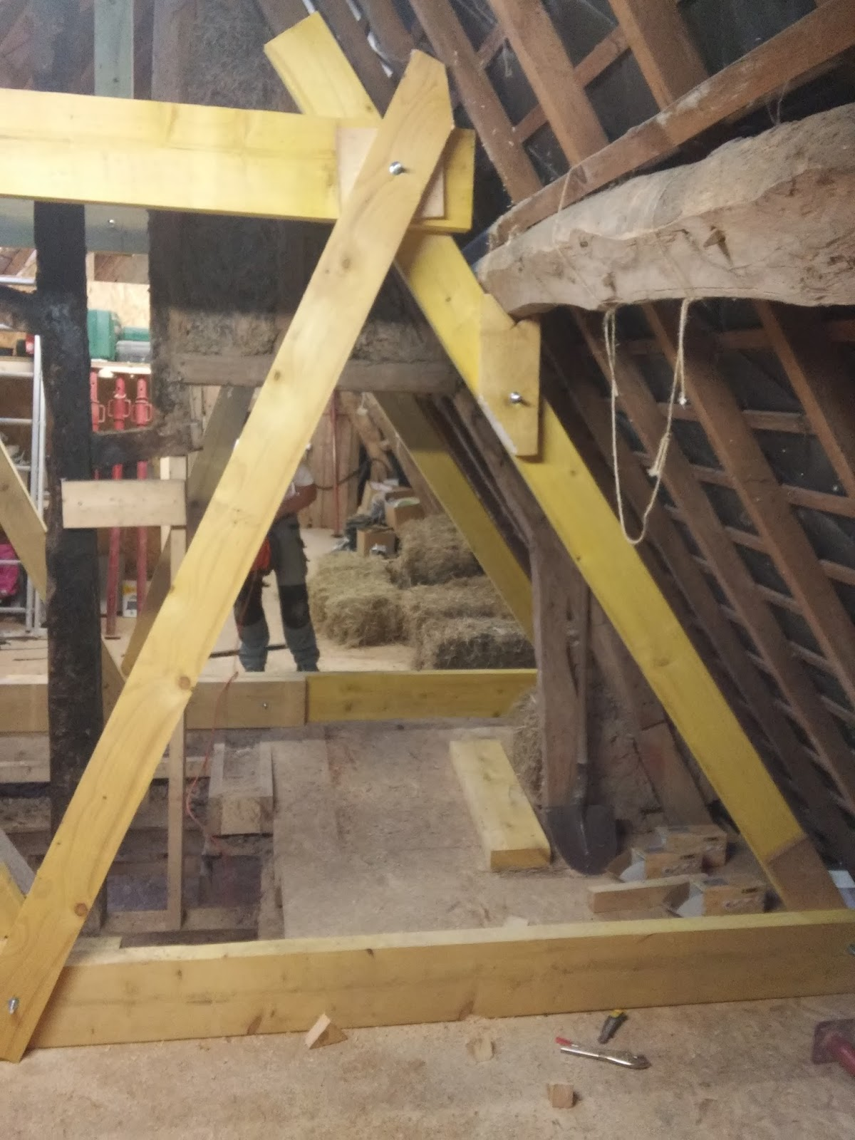 la mare du mesnil tentative d 39 cor novation renforcement de charpente. Black Bedroom Furniture Sets. Home Design Ideas