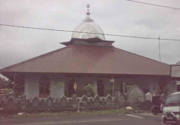 masjid jamiul'mui di dekat bekas lokalisasi silir semanggi