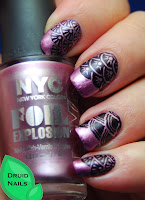 http://druidnails.blogspot.nl/2013/11/33dc2013-day-27-mani-featuring-3.html