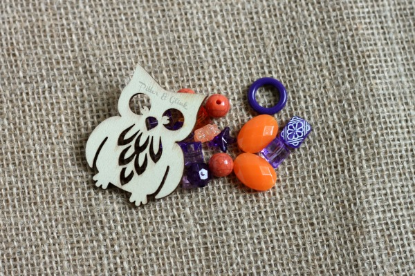 "Halloween Owl Necklace with Stamped Metal ""Boo"" Charm pitterandglink.com"