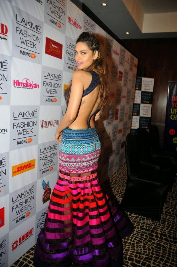 Esha Gupta At Lakme Grand Finale 2014
