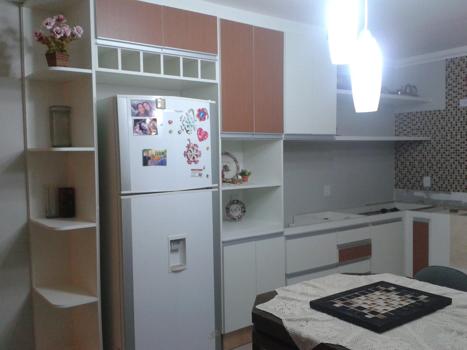 Adesivo Luz De Led ~ Drika Bordando o Sete Meu armario da cozinha chegou!!!