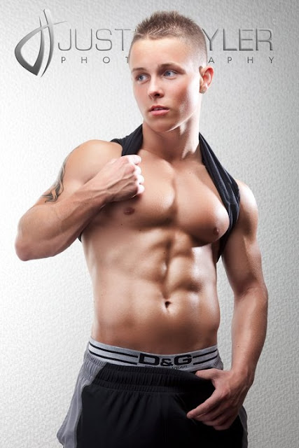 16 year old muscle boy Aron Matlock