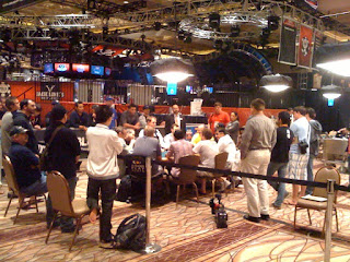 The end of the long Day 4 of Event No. 55 at the 2011 WSOP