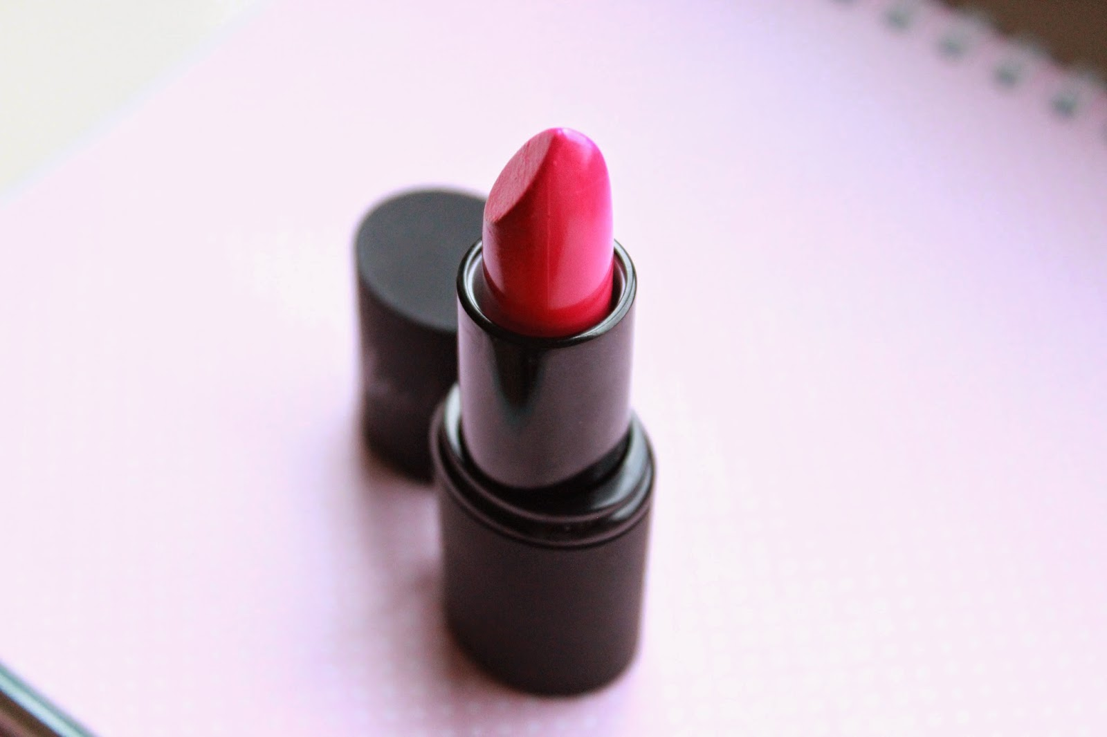 sleek true colour lipstick loved up