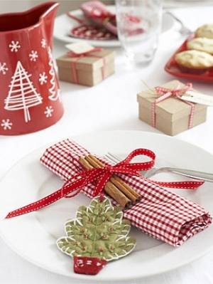 this is all time work to collect christmas dinner table around the world for a simple table you should look for some christmas craft - Simple Christmas Dinner