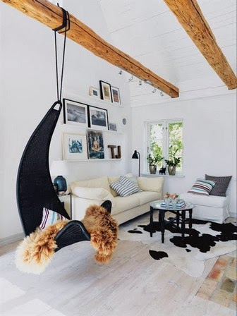 interior decor with exposed beams