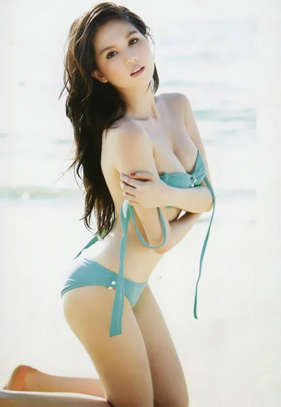 Những bức ảnh bikini đẹp nhất của Ngọc Trinh