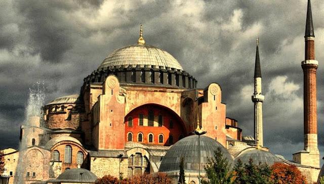 Οι Τούρκοι απαιτούν την άμεση αποκατάσταση του τζαμιού στο Διδυμότειχο απο περίεργες φωτιές - Μετατρέπουν όμως την Αγία Σοφία σε τζαμί!