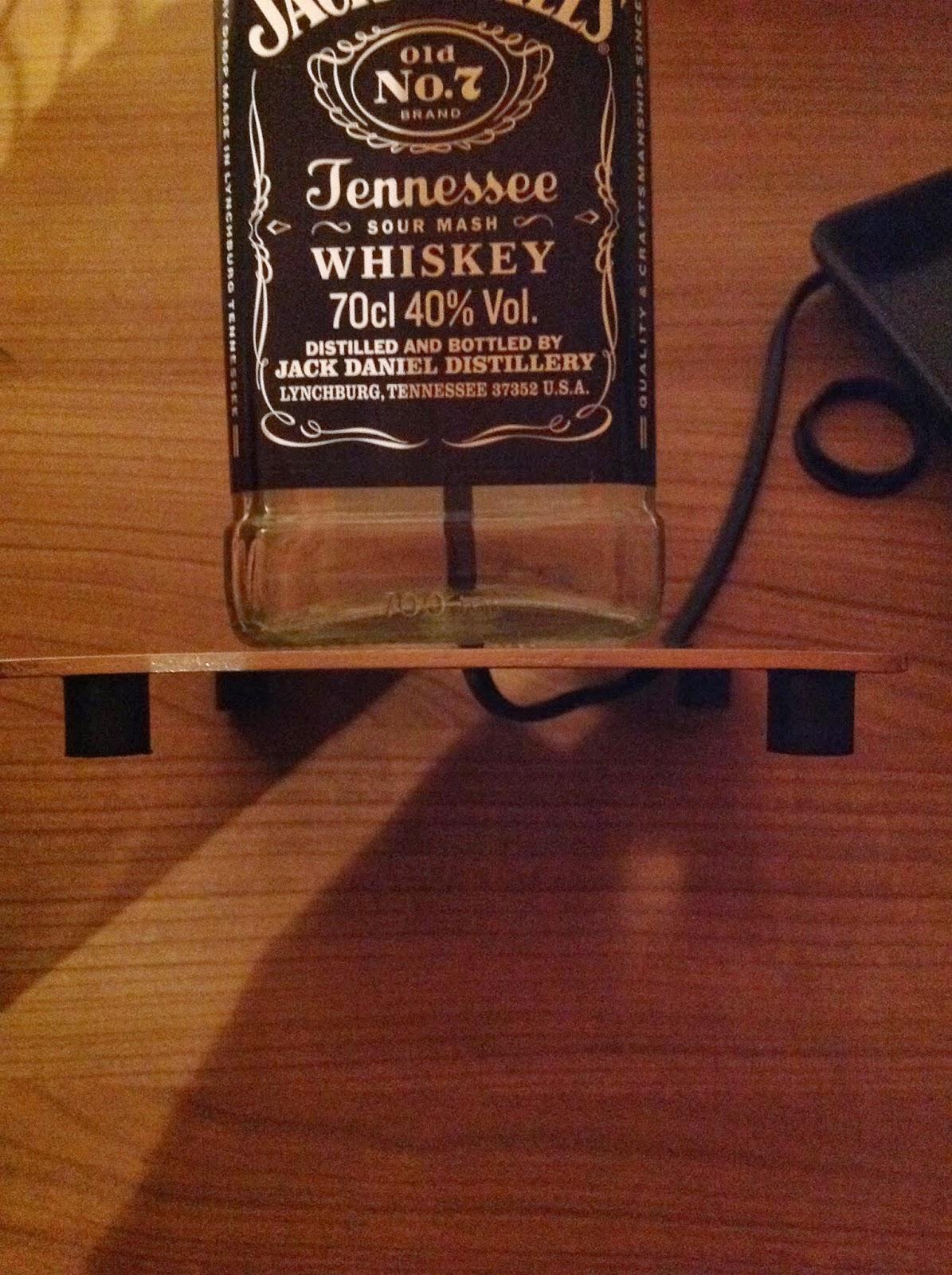 nameless jackdaniels lampe. Black Bedroom Furniture Sets. Home Design Ideas
