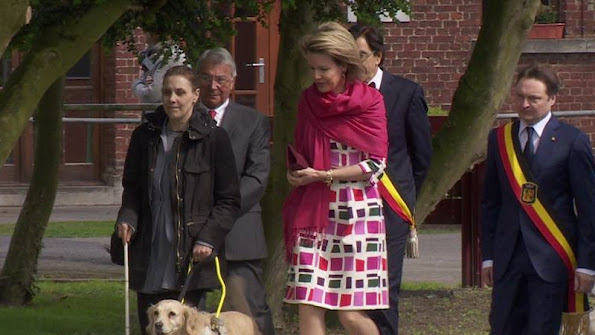 Queen Mathilde of Belgian visited the visual impairtment center 'L'Oeuvre Fédérale Les Amis des Aveugles et Malvoyants'