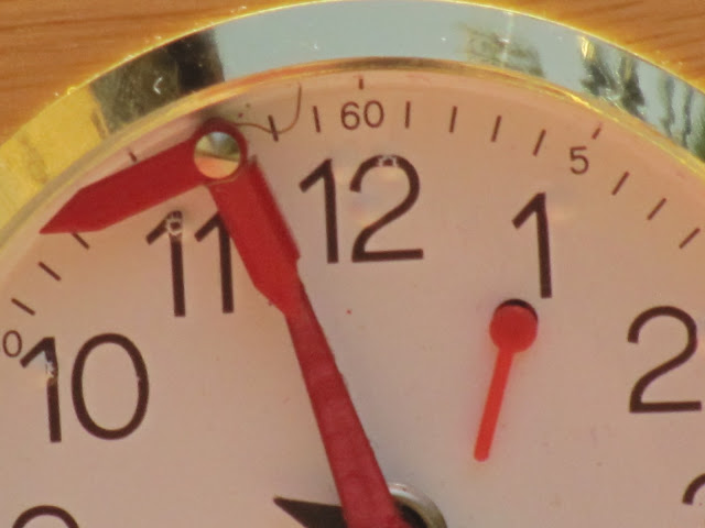Jerger clock. Even closer!  See the small little spring mechanism