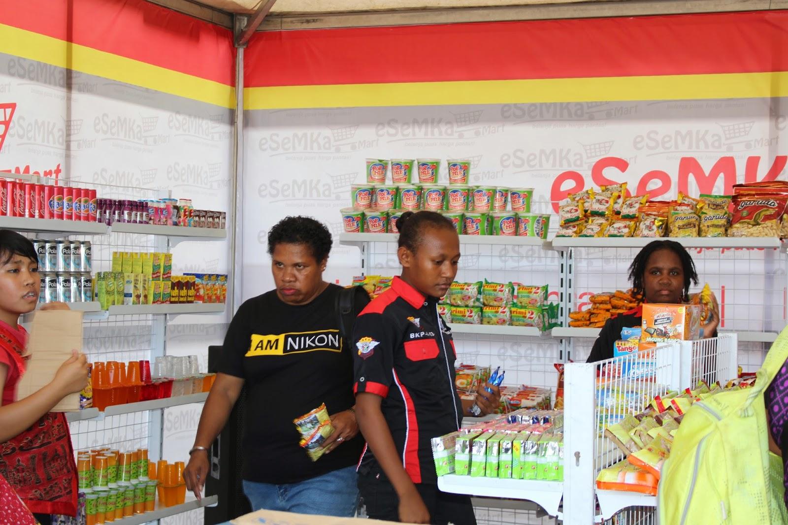 SMKN 2 Kota Jayapura Resmikan eSeMKa Mart