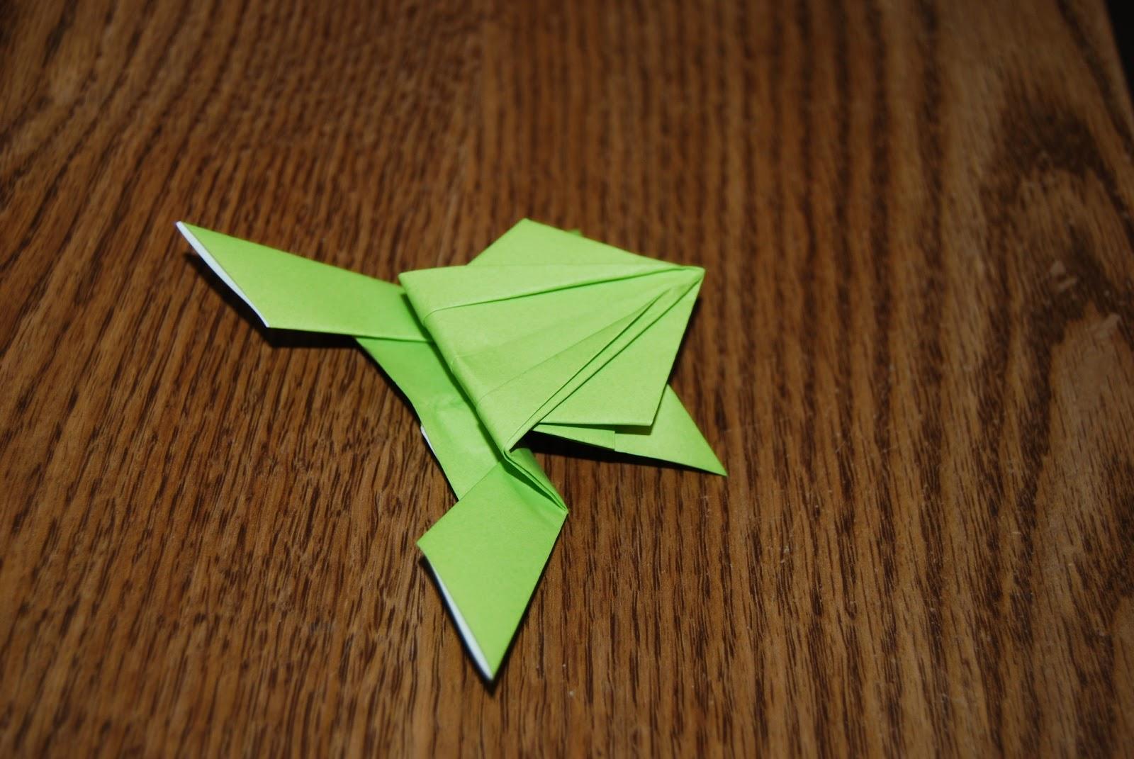 Как сделать лягушку из бумаги? Поделки из бумаги!