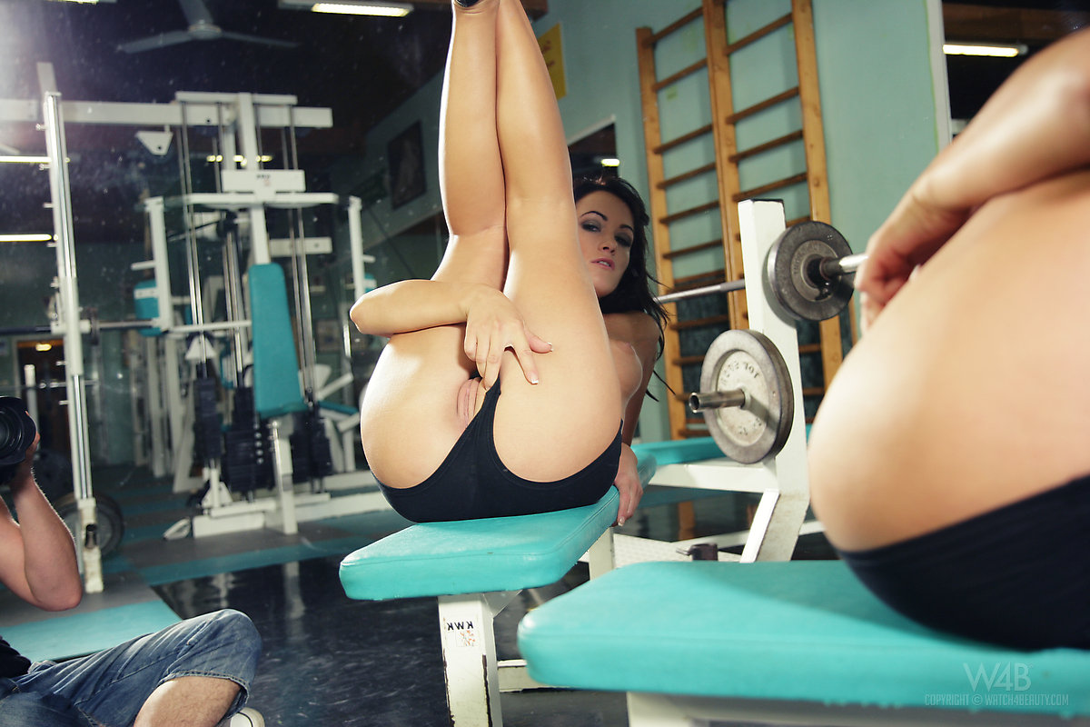 erotika-fitnes-devushki