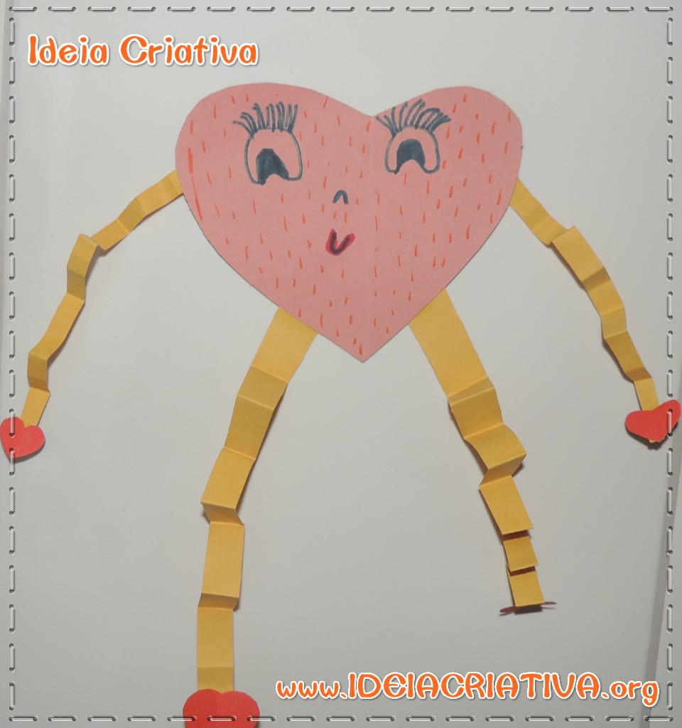 Bonequinha Coração Dia das Mães na Educação Infantil Atividade Construtivista