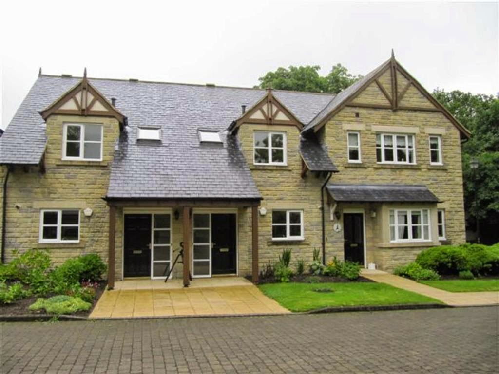 Lodge Court, Hollins Hall, Killinghall, Harrogate HG3