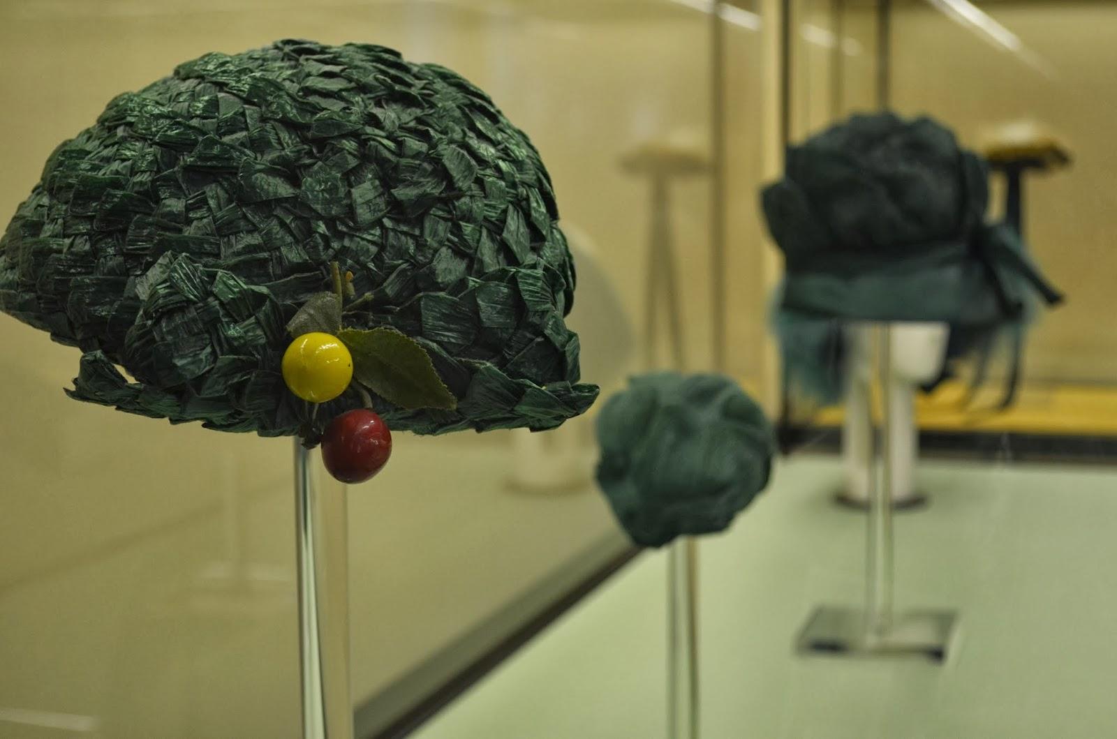 Renato coiffeur firenze mostra monografica il cappello for Palazzo pitti orari