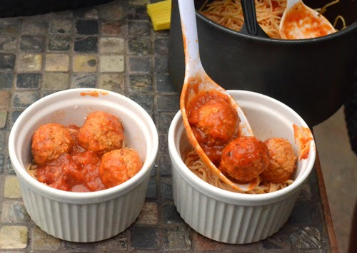 spaghetti and meatball pot pie, big green egg recipe, grill dome pasta recipe