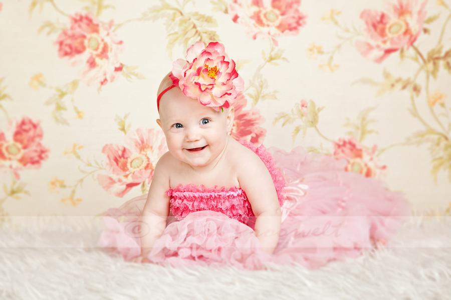 beebitüdruk-lilleline-tapeet-petty-seelik-lill