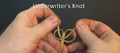 Demonstrating tying an Underwriter's Knot